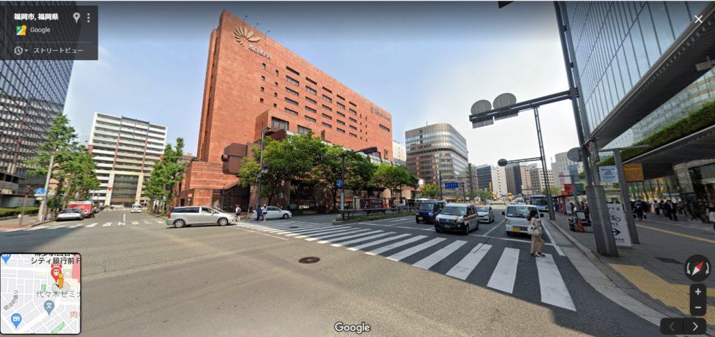 博多駅西日本シティ銀行前の道路