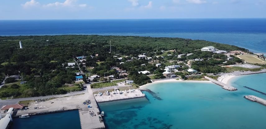 上空から見た鳩間島