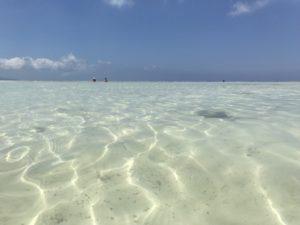 コンドイ浜の透明な海