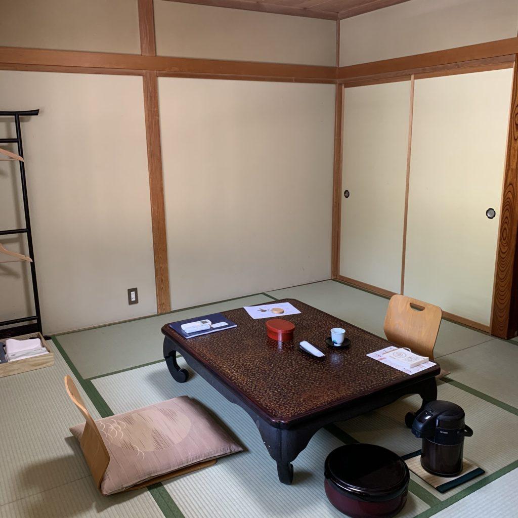 草津ホテル 客室内