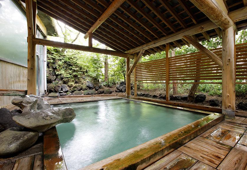 琥珀の湯 露天風呂
