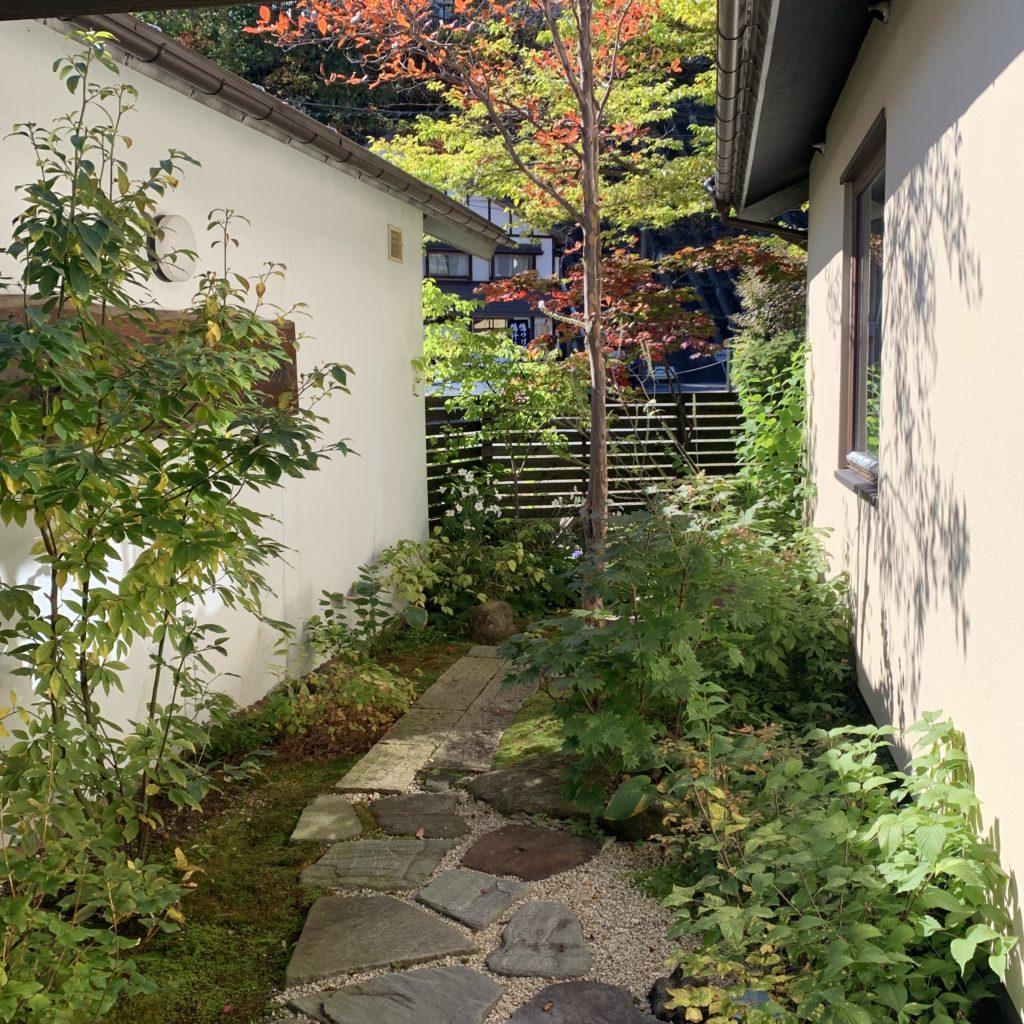 泉水館の庭園