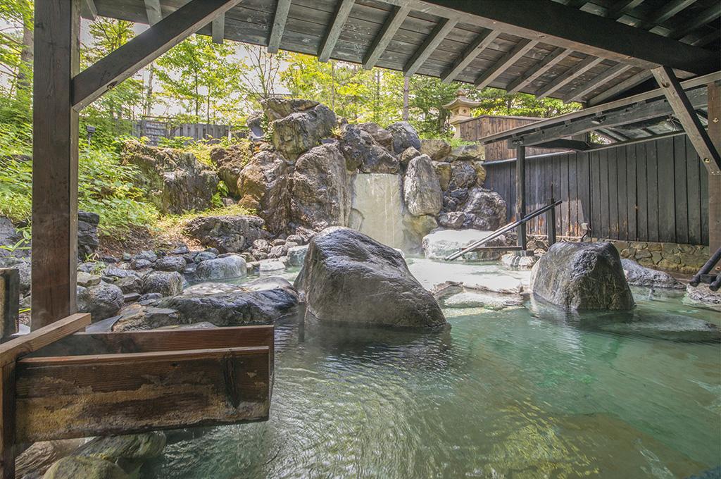 草津ナウリゾートホテルの露天風呂
