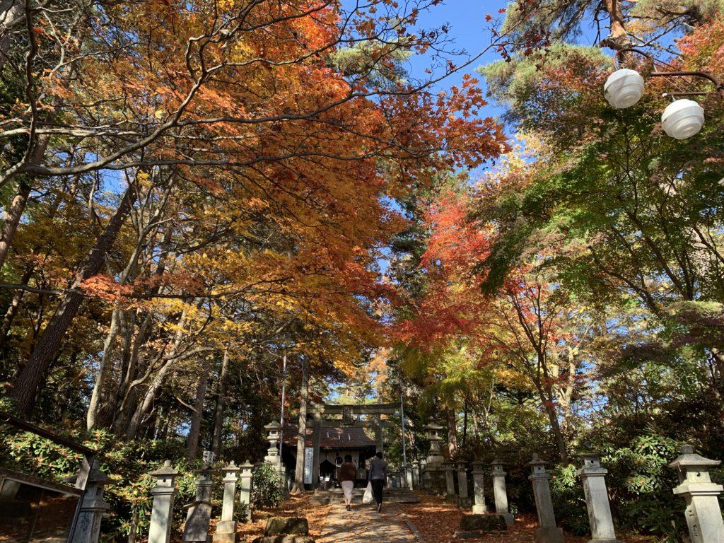 白根神社の紅葉