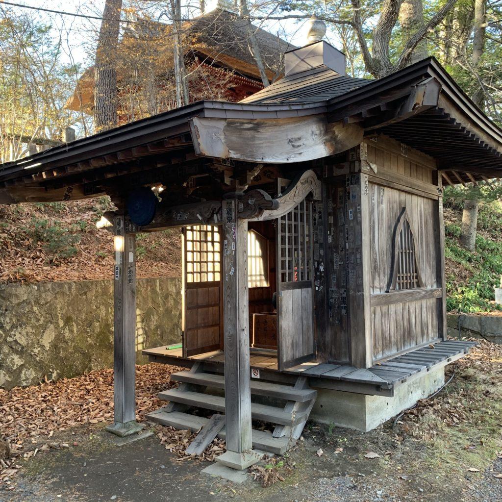 光泉寺の不動堂