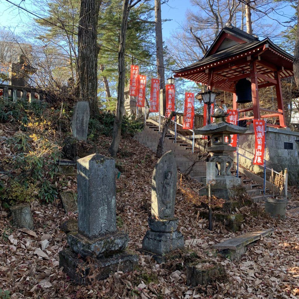 光泉寺の宝篋印塔