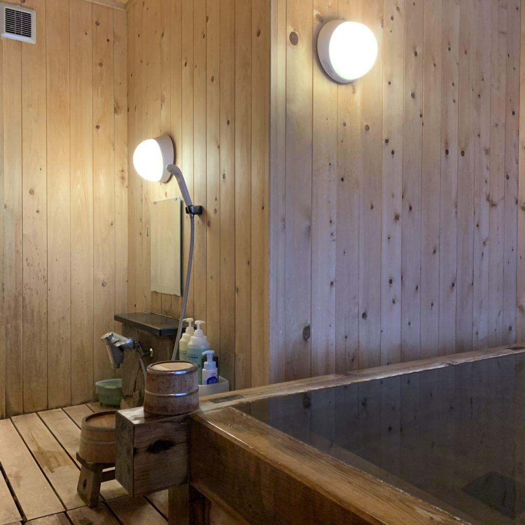 三関屋旅館の貸切風呂