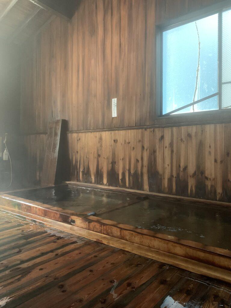 渋御殿湯の西の湯