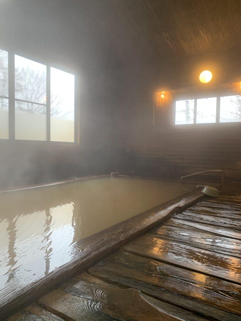 子安温泉の浴場