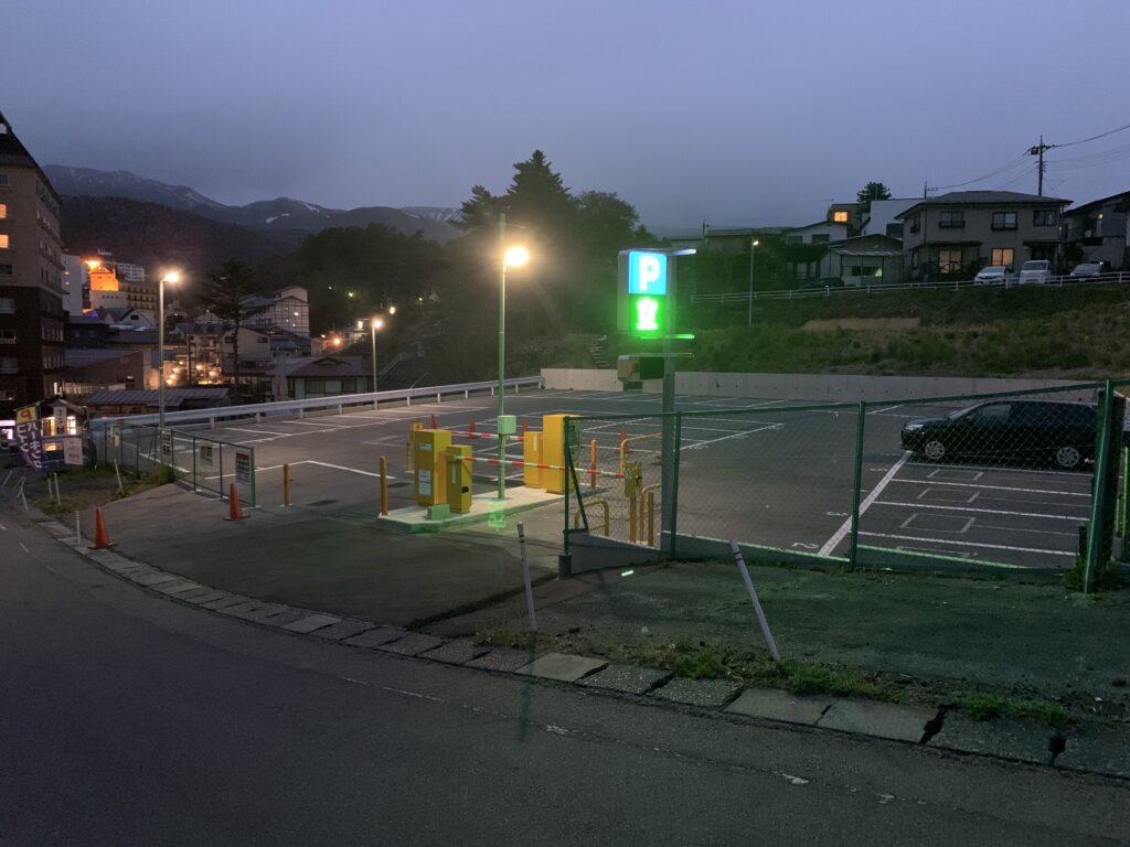 山の湯ホテル駐車場