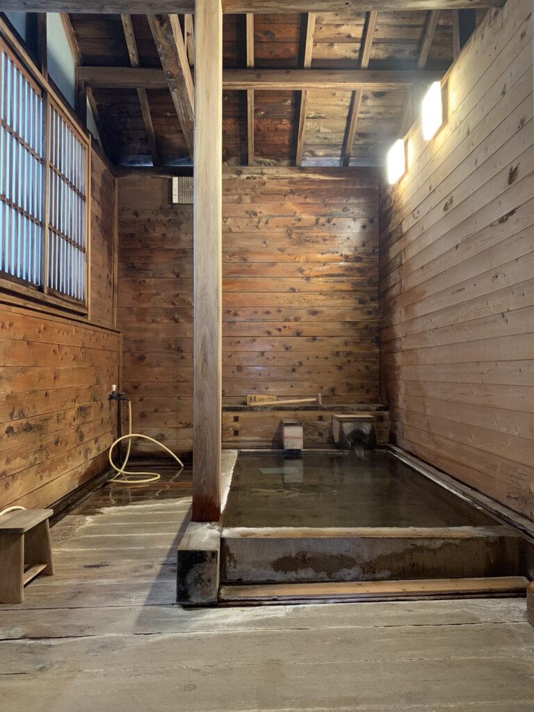 ひのき亭 牧水の浴室