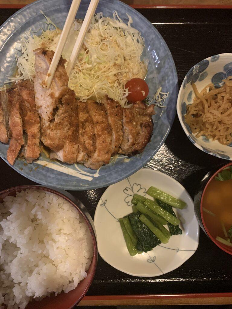 暖の特性生姜焼き定食