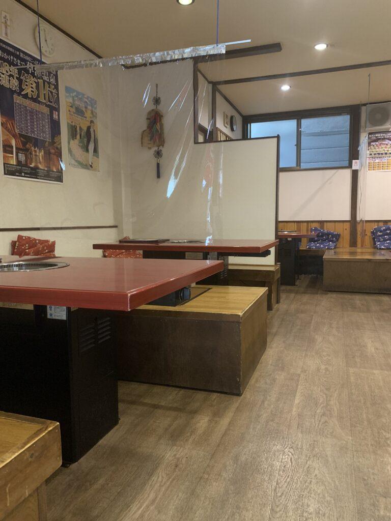 韓国料理焼肉オモニーの店内