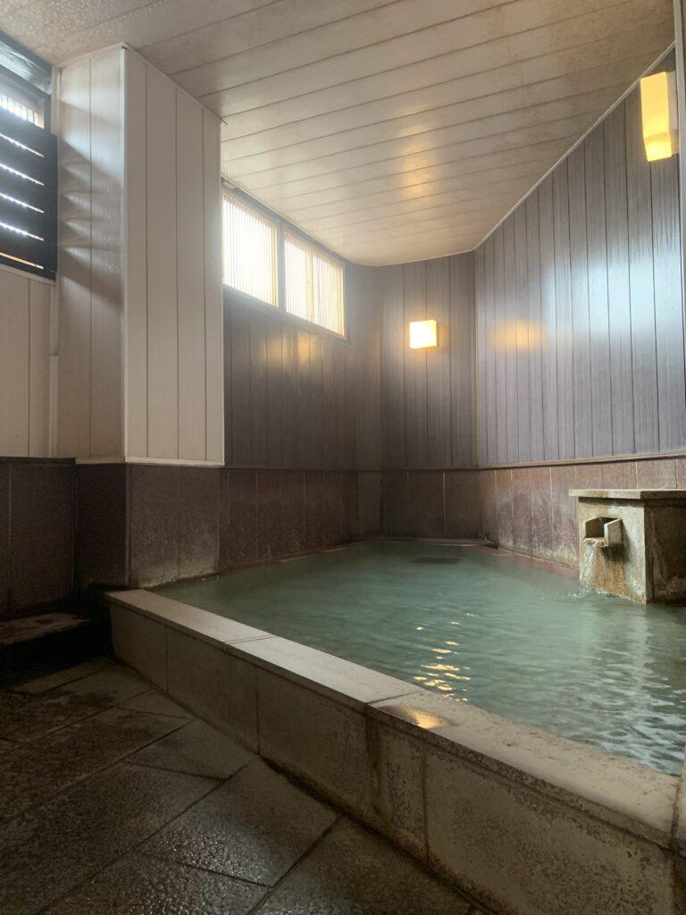 湯けむりの舞う石風呂
